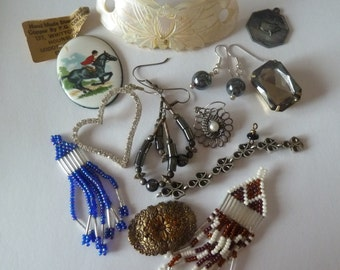 Vintage Costume Jewelry, Lot of 14, Supplies, Upcycle, Scrapbooking, Parts, Costume Brooches