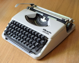 Vintage Typewriter Olympia Splendid 33 Portable with Case Portable