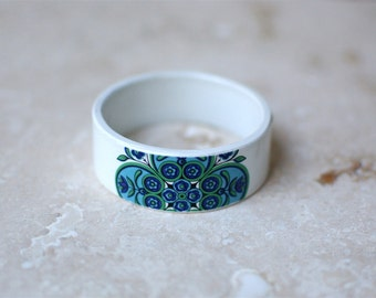 StayGoldMaryRose - Stunning little 1960's floral pattern teacup bangle. (Small fit)