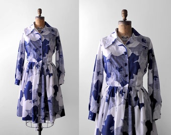 70 shirtwaist dress. 1970's cotton dress. floral print. blue & white. m. 70's medium dress. collar.