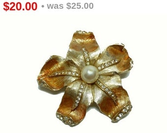 Signed ART Brooch - Vintage Golden Flower with Rhinestones & Simulated Pearl Pin - Jewellery