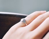 Antique patterned silver little finger ring-free shipping