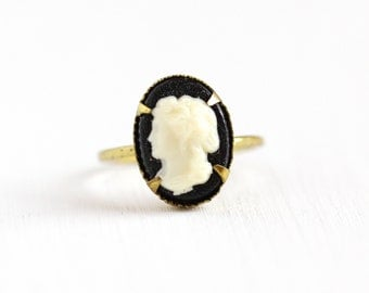 Vintage Cameo Brass Czech Ring - 1930s Lucite Off White Black Cameo Woman Silhouette Made in Czechoslovakia Size 3 1/2 Costume Jewelry