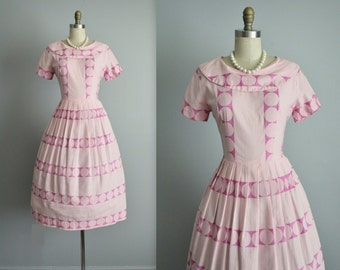 50's Day Dress // Vintage 1950's Pink Embroidered Cotton Full Pleated Summer Dress M