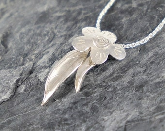 Silver Flower and Leaves Necklace , Gift For Women , Sterling Silver Necklace , Gift For Girlfriend , Nature Jewelry , Floral Pendant