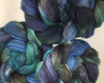wool Mixed BFL  3.5 oz SPINNING combed top , Blues