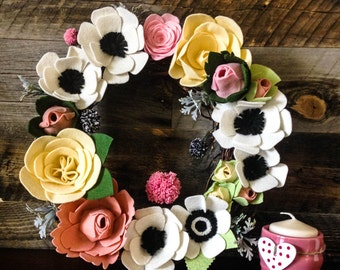 Anemones and Roses Felt Wreath / Felt Wreath / Floral wreath / home decor / front door / Felt flower wreath