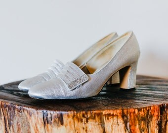1960s Mod Sparkly Silver Lurex High Heel Shoes. Size 7.5m