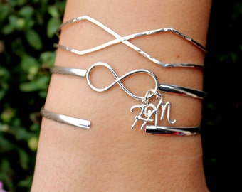 Customized Infinity Bangle with Initials - Sterling Silver - Personalized, Initial Bracelet, Infinity Cuff, Mom, Dainty Gift, Love, Family