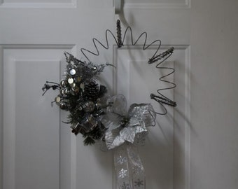 Silver Christmas Holiday Wreath Bed spring Wreath