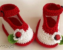 Crochet baby pattern - Ladybug ankle strap  booties - Permission to sell finished items. Full of large pictures! PDF Pattern No. 104