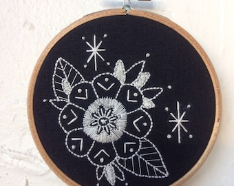 Rachel Welsby - Flower Embroidery