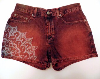 High Waisted Shorts With Mandala  Size 6