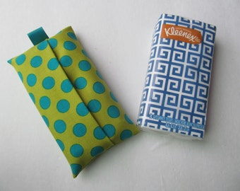 Tissue Case/Turquoise Dots On Green