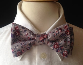 Floral Bow Tie / Bow Ties For Men / Custom Made Pre-tied Bow Tie / Country Wedding / Groom,  Groomsmen, Gray Wedding / Men's Accessories