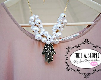 The Fortune Teller Big Pearls Statement Necklace