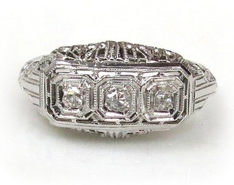 Art Deco 18k White Gold Ring with Diamonds c. 1920s Engagement Ring size 6.5