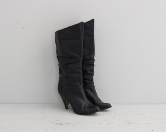 Womens Vintage Boots . Black Leather Boots . 70s 1970s Boots