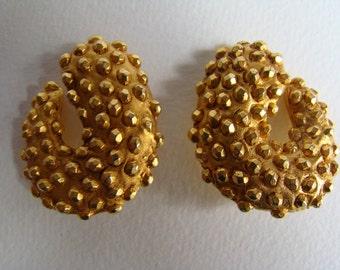 Nina Ricci earrings