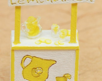 Kids 1:48 Lemonade Stand w/ Pitcher, glasses & Lemons NEW!