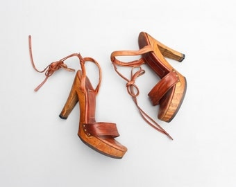 authentic 70s platform ankle wrap heels - 1970s wood high heel stilettos / Disco strappy sandals - brown leather / bohemian shoes