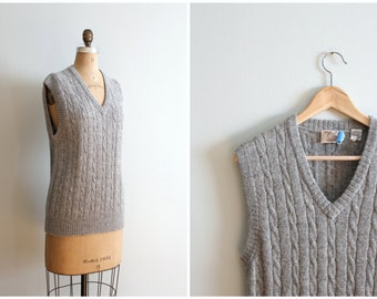vintage Peruvian alpaca sweater vest -  80s gray cable knit sweater vest / vintage preppy gray sweater vest / ladies alpaca sweater vest