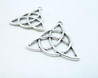 Celtic Knot Charms 20pcs 29x30mm Antique Silver Triangle Celtic flower of life Charms Pendant c7145