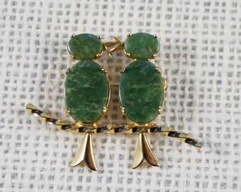 1950's Burt Cassell Green Stone Gold Plate Two Birds Lovebirds Figural Pin Brooch
