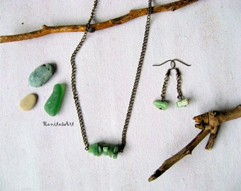 set natural stone necklace and earrings green