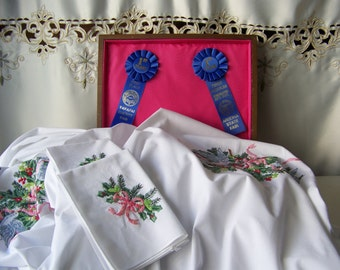 Vintage Blue Birds & Holly Tablecloth Napkins Embroider First Place State Fair 1996 Wood Box Pink Lined