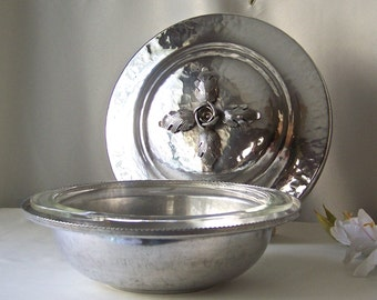 Vintage Aluminum Serving Bowl Hammered Aluminum Dish Serving Casserole Retro Kitchen Vintage 1960s