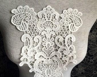 Vintage Applique - 1 pcs Ivory Flower Applique for Altered Couture, Costume Design(A271)