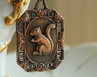 Squirrel Necklace - Beautiful Filigree 1940s Brass Frame With A Vintage Squirrel Pendant