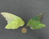 2 Dried Birds Wings Feathers Art Craft Taxidermy Green Colours Shipping included