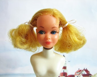 Vintage Barbie's Little Sister, Dramatic Living Skipper Doll HEAD ONLY #1147-1117 ... Mattel 1970-73, Strawberry Blonde, TLC Head Only