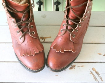 Vintage JUSTIN Boots...size 5 womens....brown leather boots. goth. indie. leather boots. designer. western. urban. justins.  vintage boots.