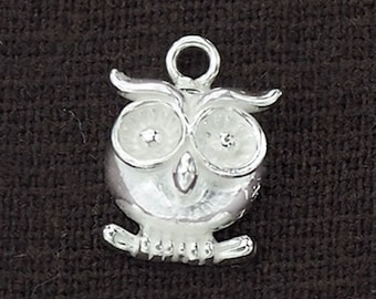 1 of 925 Sterling Silver Owl Charm 11mm. :th2233