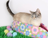 Spring Flower Easter Cat Bed Pastel Pet Bed the Cat Canoe