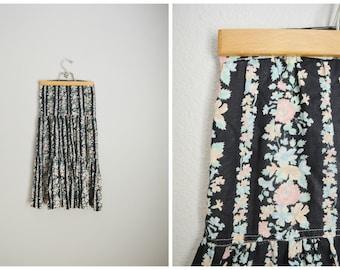 Vintage 70s Black Floral Prairie  Skirt // kneelength - womens xsmall- size 00