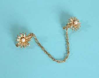 Vintage 1950s Sweater Clip - Gold Toned Faux Pearl - Bridal Fashions