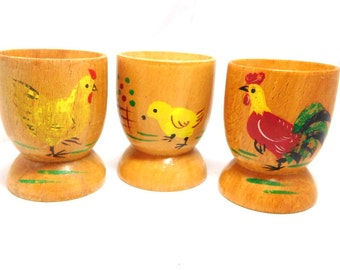 Vintage 3 Egg Cups Wood hand painted Chickens Rooster Hen Chick Cottage Chic 50s