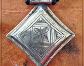Tuareg Amulet with Onyx Beads and Tifinagh Inscription at the back