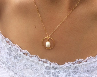 Gold Necklace, pearl necklace, mother of the groom gift, mother of the bride gift, best friend gift, birthday gift, bridal necklace,