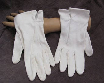 Beautiful Ivory Off White Ladies Wrist Gloves (08M)