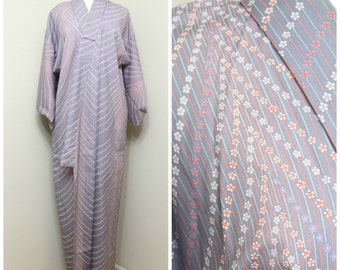 Japanese Vintage Kimono Robe. Lilac Orange Floral Design (Ref: 1491)