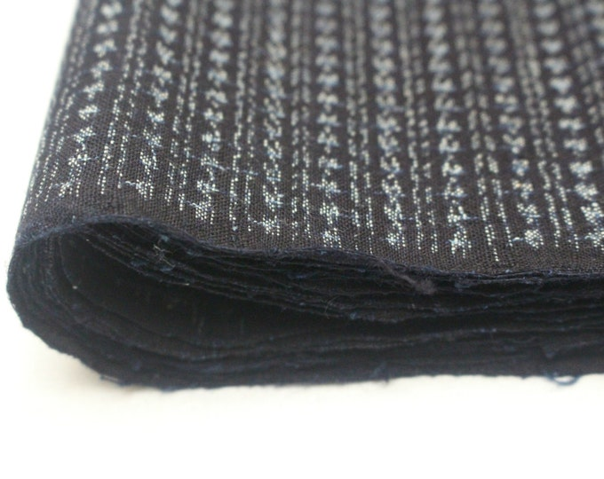 Hand Loomed Antique Cotton. Japanese Kasuri Kagasuri Ikat. Dark Indigo Blue Black Scraps. (Ref: 1601G)