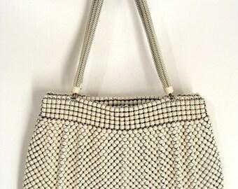Mesh Metal Purse. vintage 50s White Enameled Mesh Purse Handbag with Snake Chain Handles. Whiting Davis. Alumesh