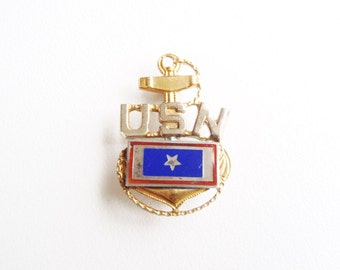 U.S. Navy Silver Star Son in Service Banner Pin WWII Chief Petty Officer USN CPO Sterling Garrison Cap Badge Enamel Amcraft Snowflake