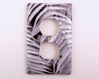 Outlet Cover, Black and White Fern