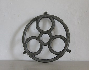 French Vintage Pot Stand Trivet in Aluminium Circle Design